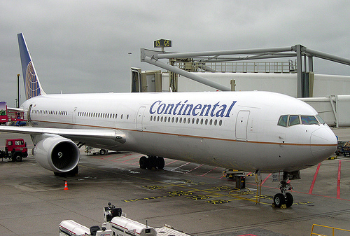 continental airlines outsourcing it to support
