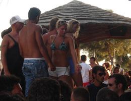 Mykonos Partileri