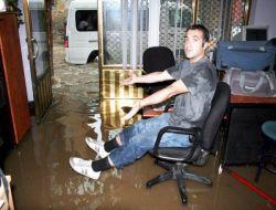 Fethiye'de otel ve restoranları su bastı