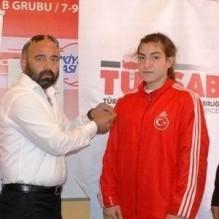 TÜRSAB'dan başarılı sporculara ödül