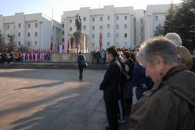 Turistler de 10 Kasım törenlerine katıldı