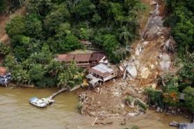 Aşırı yağış Brezilya'da lüx oteli yerle bir etti