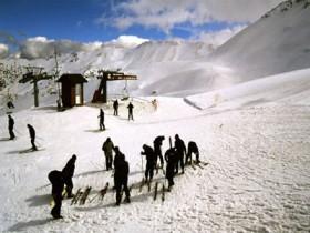 Davraz'da kayak keyfi başladı