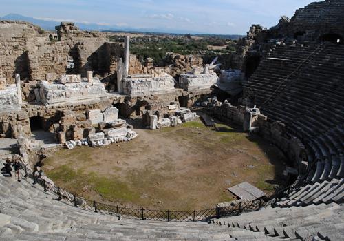 Side Antik Tiyatro'da Rölöve Çalışmaları Başladı