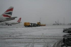 Kar, hava ulaşımını da aksattı