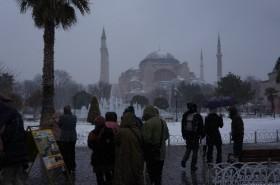 Kar, Tarihi Yarımada'yı gelin gibi süsledi