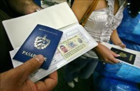 Küba, çıkış vizesini kaldırdı