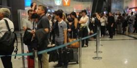 Uçak ve yolcu trafiği artıyor