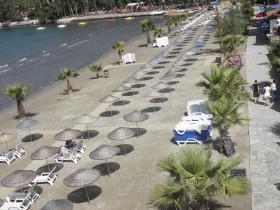 Akyaka Halk Plajı'na uluslararası mavi bayrak takıldı