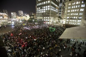 Brezilya'da polis de eyleme katıldı