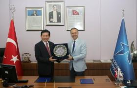 Güney Kore valisinden sergi ziyareti