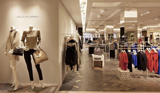 Dünya üstündeki tüm ünlü markalar Harrods mağazasının içinde mevcut