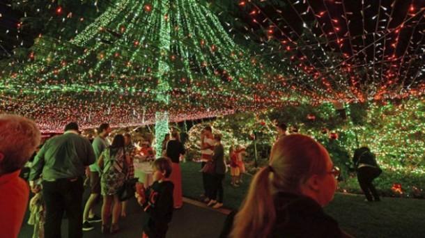 Avustralya'da yılbaşı kutlamaları öncesi ışık rekoru