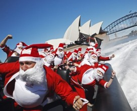 Sidneyde Noel Babalar Hiz Teknesinde