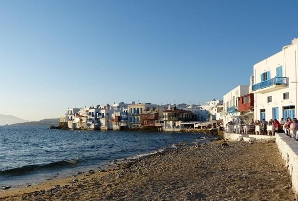 Mikonos adası otantik ve eğlence dolu
