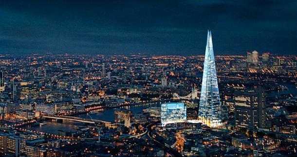 Yeni inşa edilen The Shard gökdeleni Londra şehrinin yeni sembollerinden biri oldu