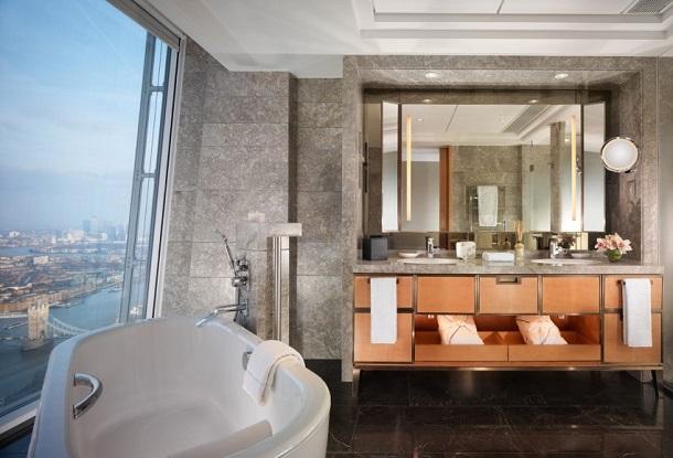 Londra Shangri-La otelinin en mütevazi odası bile inanılmaz bir konfor sunuyor