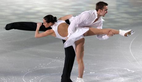 Rus artistik patinajcılara madalya