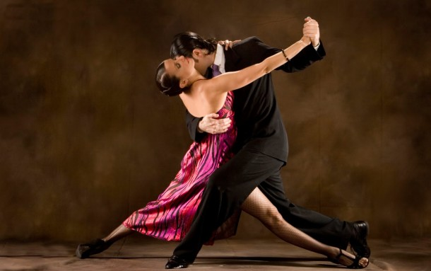 kurban-bayraminda-vizesiz-arjantin-turlari-tatili-tango-yapmak-tango-dansi-dans-arjantin-dansi