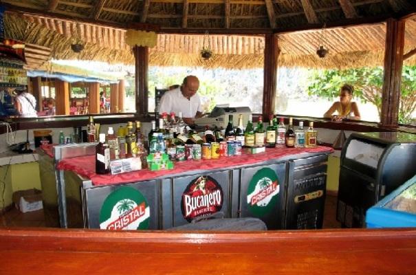 rom-küba-icki-alkol-geleneksel-içki-küba-içkileri-küba-romlari