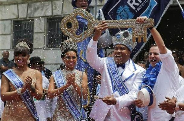 rio karnavalı kral momo