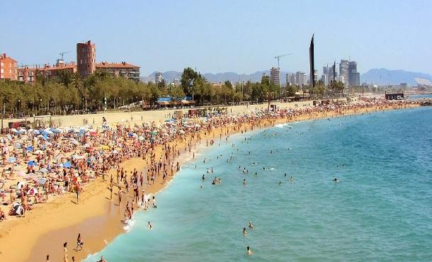 barselona-bogatell-plajı-beach
