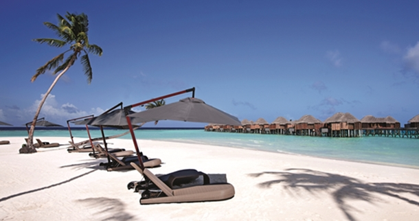 halaveli-maldives-beach