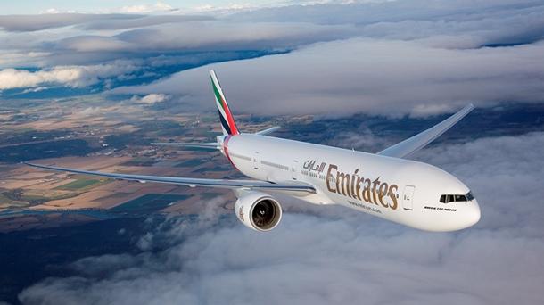 Emirates uçak