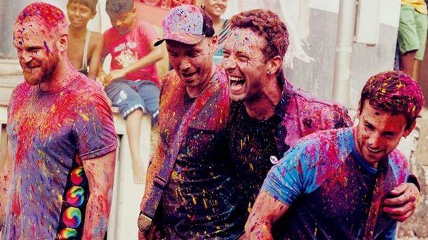 Coldplay Hindistan ve Renklerin Festivali bereketi