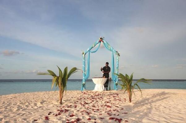 halaveli-maldivler-balayi-turu