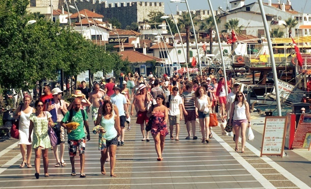 Rus turistlere Türkiye engeli kaldırılıyor