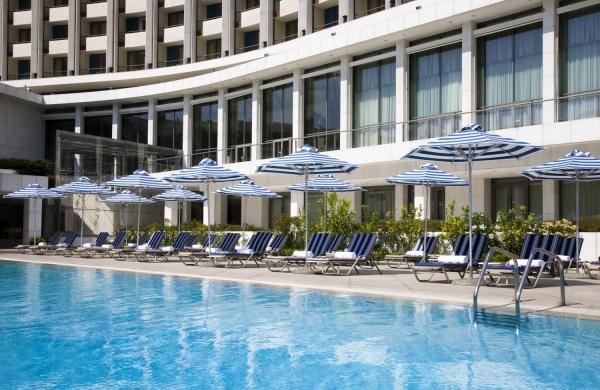 Atina Hilton Otelini satın alıyor