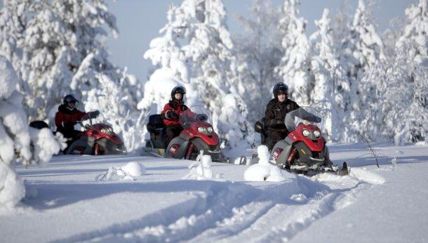 Kar motosikletleri gezisi