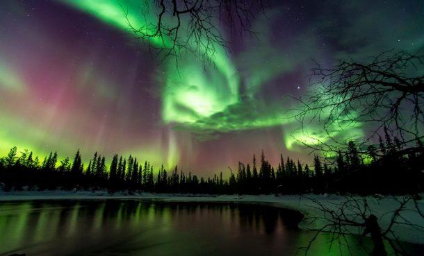 Aurora Borealis yani bilinen adıyla Kuzey Işıkları