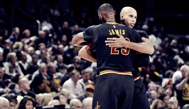 Dünyanın en çok ilgi çeken spor organizasyonlarından biri olan NBA'da perde açıldı.