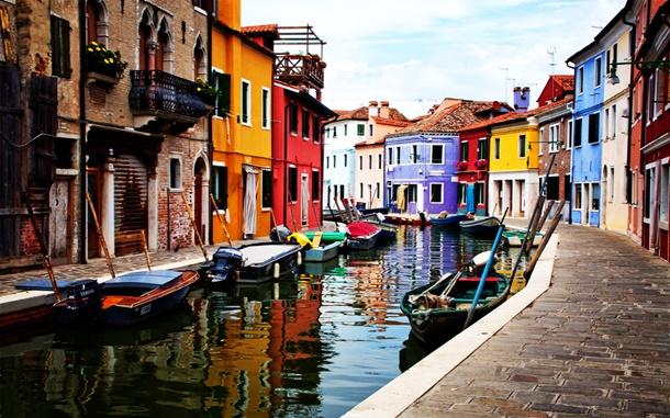 Venedik yoğun turist ilgisine çözüm arıyor