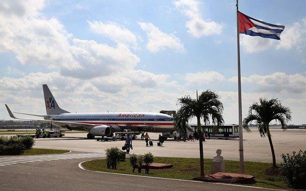 Küba Devrim Lideri Fidel'in vefatından üç gün sonra Miami'den kalkan ilk tarifeli uçak Küba'ya indi.