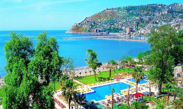 Alanya Turistik İşletmeciler Derneği (ALTİD) Başkanı Burhan Şili bu sene zor bir kışın kendilerini beklediğini söyledi.