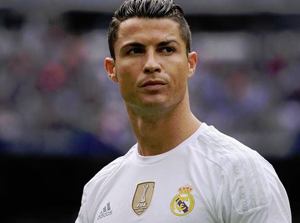Cristiano Ronaldo Real Madrid ile olan sözleşmesini uzatıyor