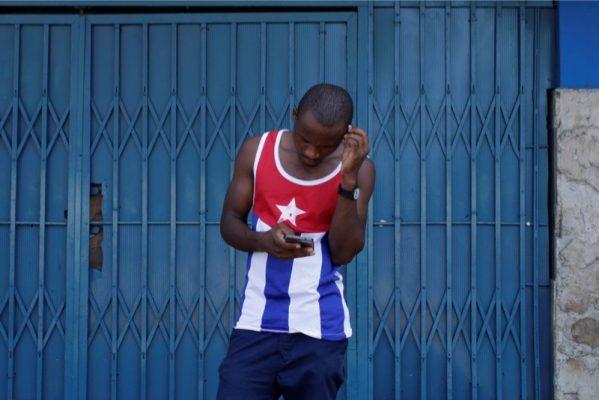Küba'da İnternet Devrimi Başlıyor!