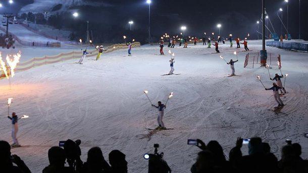 Palandöken'de Kayak Sezonu Havai Fişek Gösterisiyle Açıldı