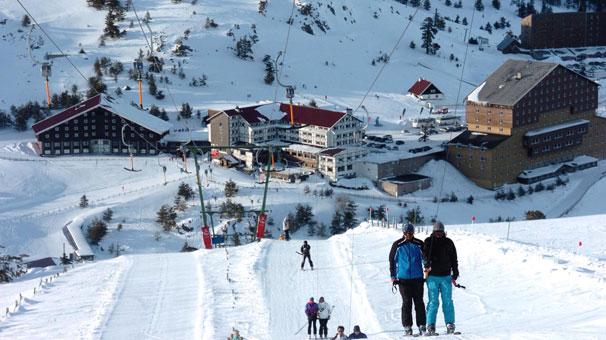 Kar yağışını etkisini artırmasıyla birlikte Türkiye'nin önemli kayak merkezlerinde kar seviyeleri de istenilen düzeye gelmeye başladı.
