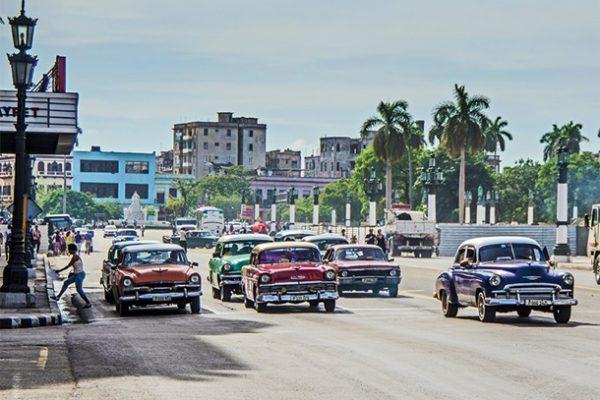 Türk Hava Yolları'nın (THY) doğrudan seferleri başlamasıyla artık daha da yakın olan Küba'nın başkenti Havana, Türk turistleri bekliyor.