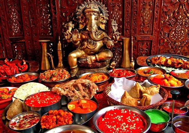 Gerek coğrafi özellikleri, gerek kültürü, gerekse tarihi eserleri ile birçok ülkeden ayrılan Hindistan, yemek kültürüyle de ayrı bir noktada yer alıyor.