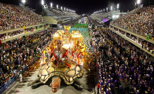 Rio Karnavalında Samba Zamanı