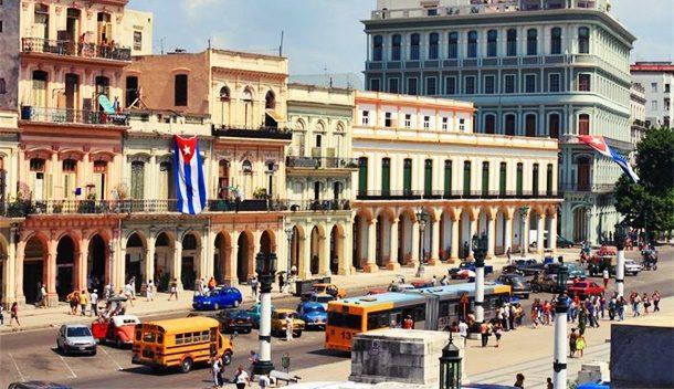 Küba Canlılığını Koruyor