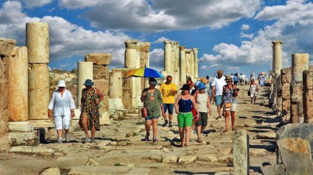 Yerli Turist Paket Turlara Yöneldi