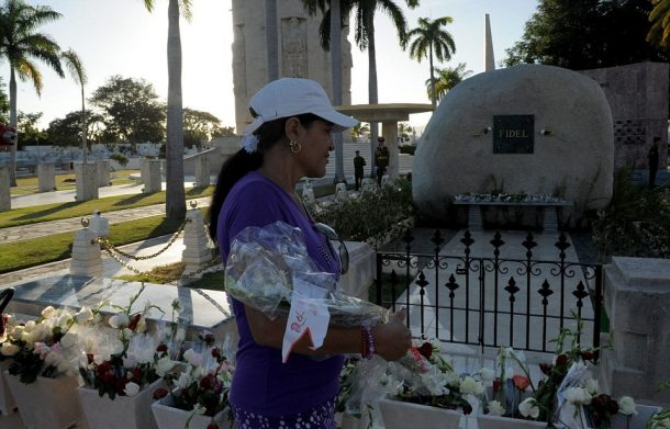 Fidel Castro'nun Mezarı Ziyaretçi Akınına Uğruyor