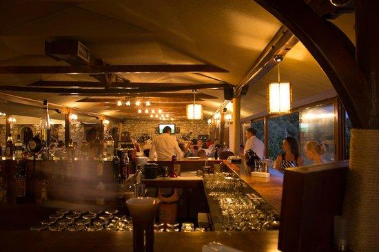 Athos Restoran Bar