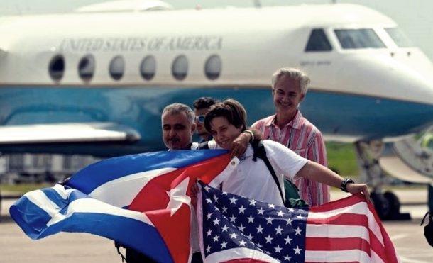 Küba'da bayrakların yakılması yasak